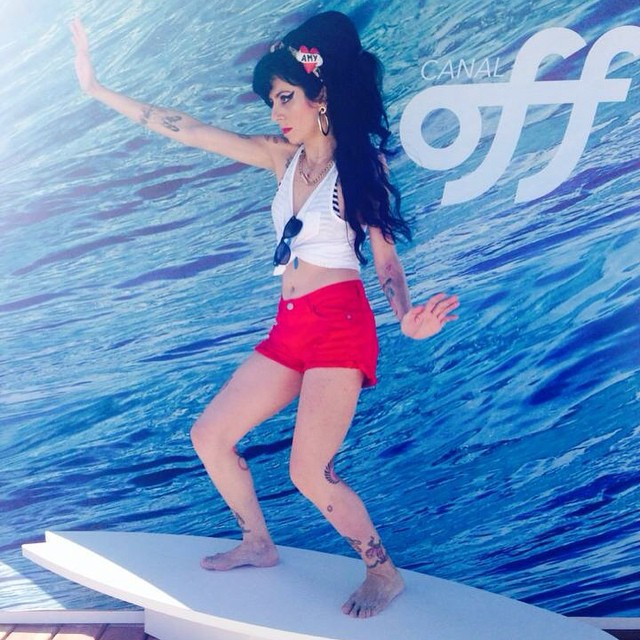 Canal Off - Sósia Amy no Campeonato Mundial de Surf