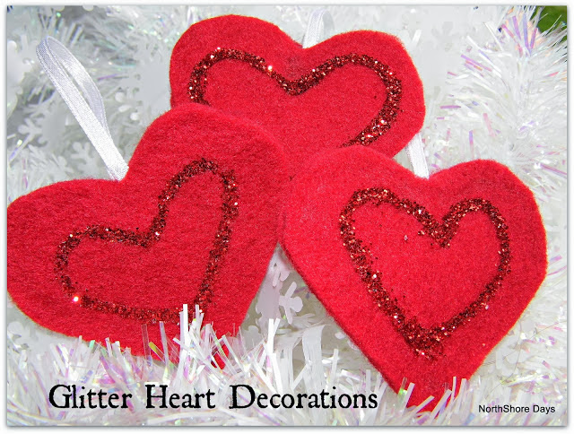 http://www.northshoredays.com/2012/12/glitter-heart-decorations.html