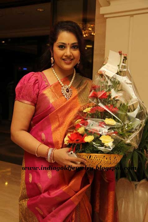 Indian Gold And Diamond Jewellery South Indian Film Actress Meena At Snehas Wedding