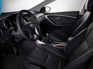 Hyundai i30 car interior - صور سيارة هيونداى i30 من الداخل