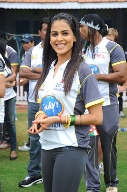 indian actress Genilia At Ccl Match