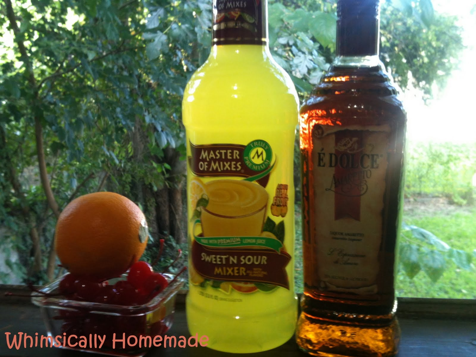Whimsically Homemade: Thirsty Thursday - Amaretto Sour
