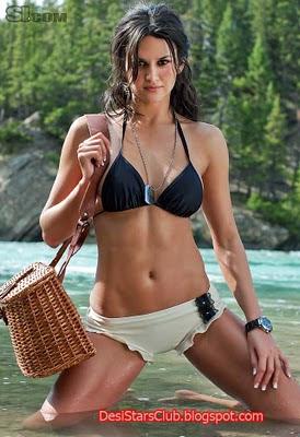 Leryn Franco Swimsuit Model Photos
