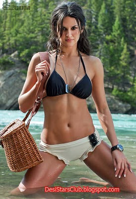 Model Leryn Franco in Swimsuit Photos