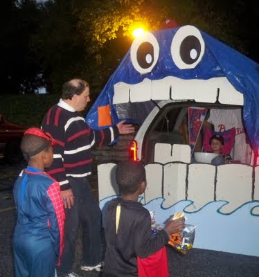 Simply Mommy: Trunk or Treat Idea - For My Van This Year (