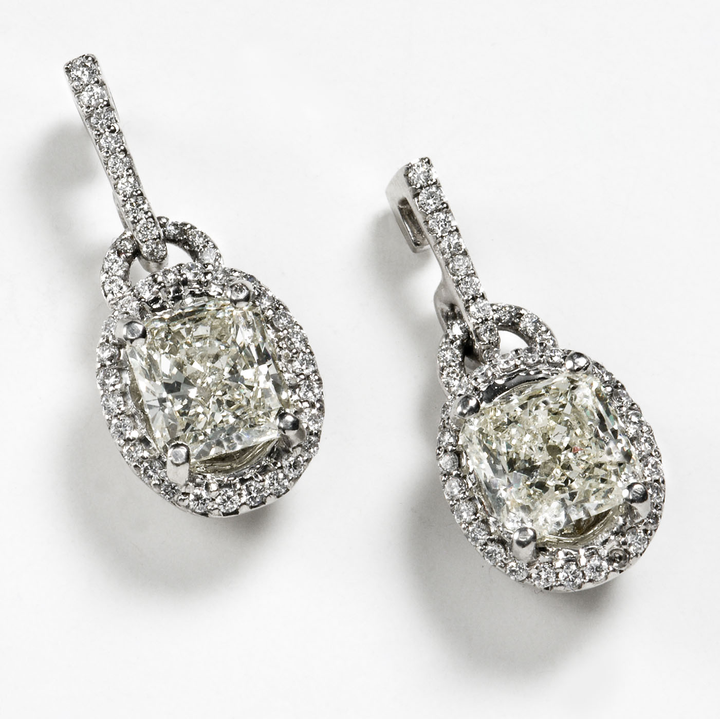 http://2.bp.blogspot.com/-qB84AG1Dv8o/TZu71nA69wI/AAAAAAAAAJQ/QMLyZI5vZcs/s1600/Earrings-Diamond-Radient-lg.jpg