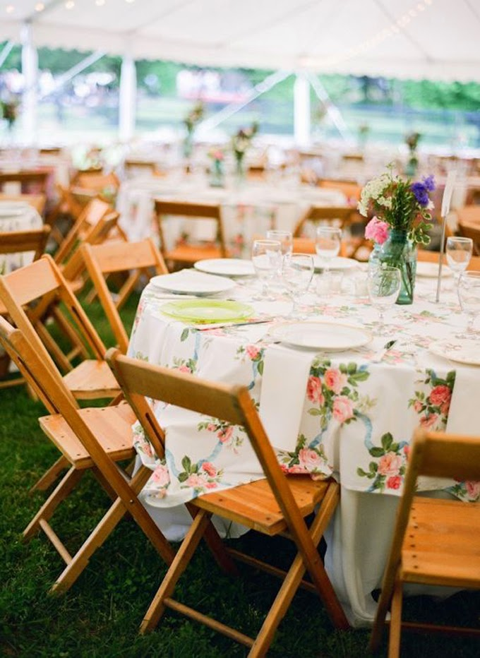 10 Country Chic and Rustic Wedding Tablescapes - Patterned Tablecloths