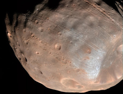 Maior lua de Marte está em processo de destruição, segundo cientistas da Nasa