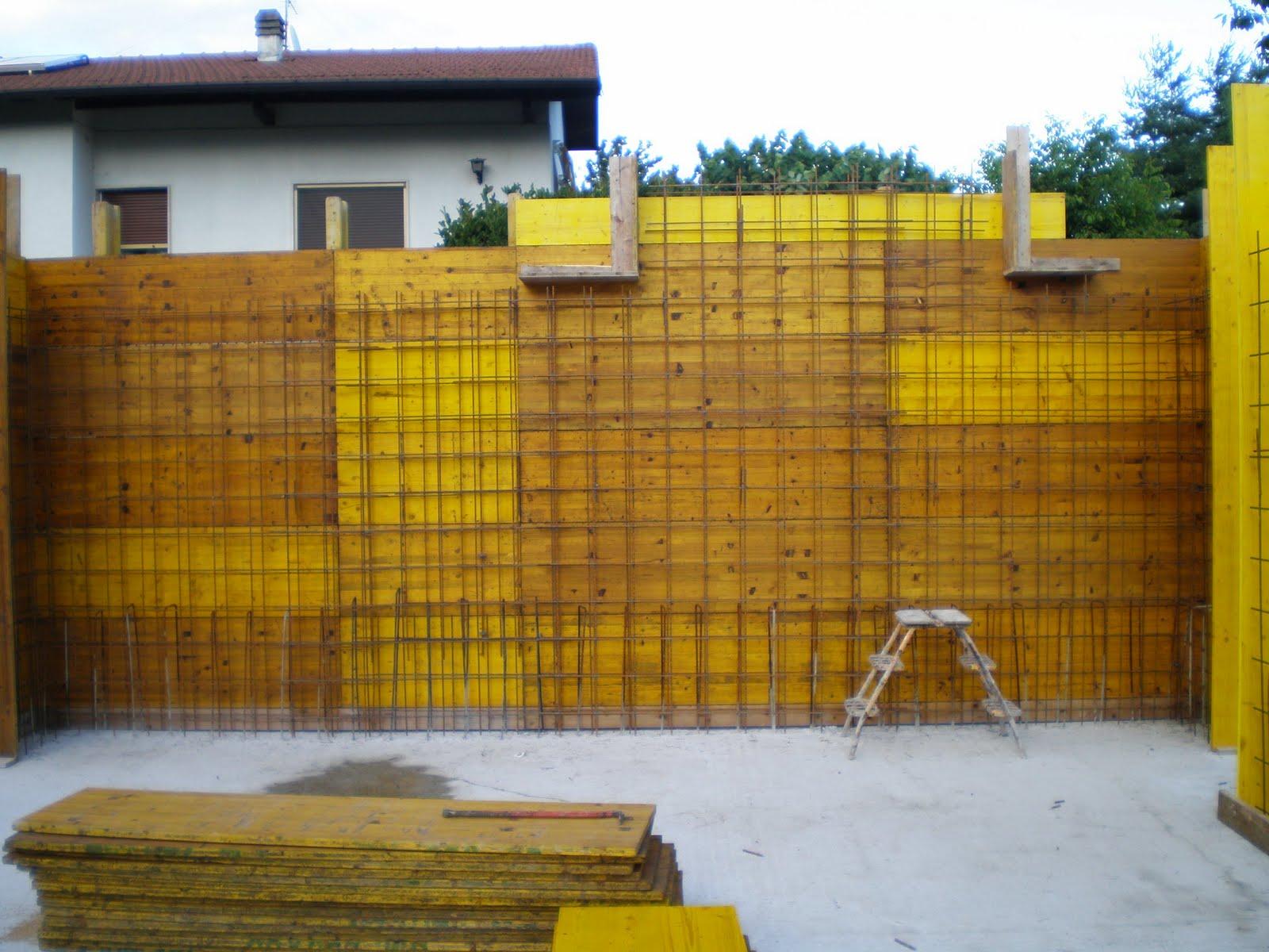 Formazione pilastri di piano terra e muri carport for Costruire in fasi piani di casa