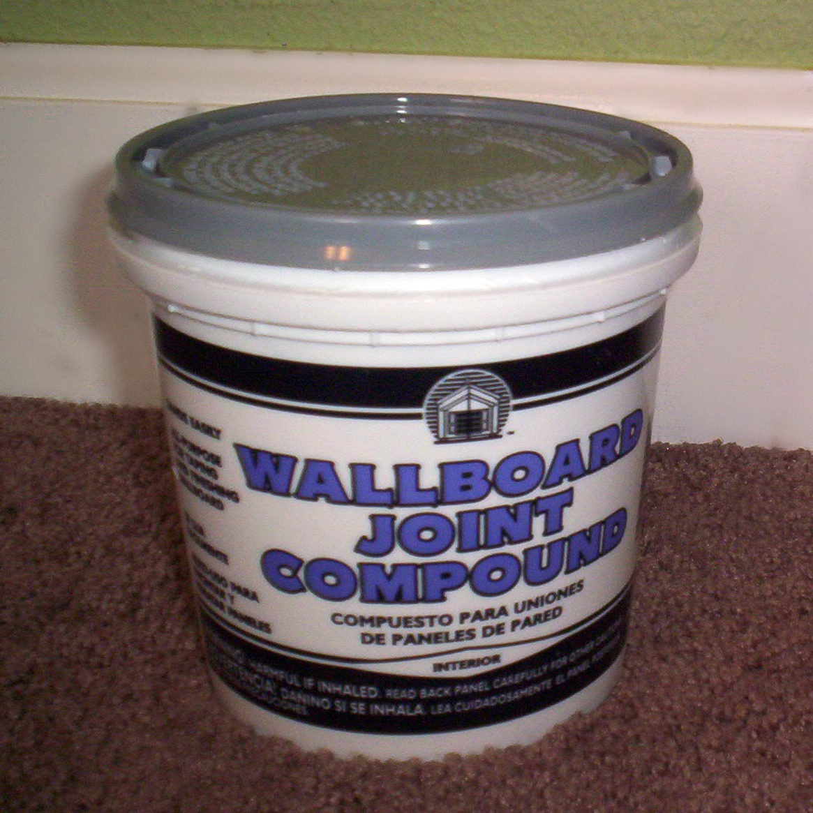 Wall Joint Compound : Lady create a lot patching hole in the wall tutorial