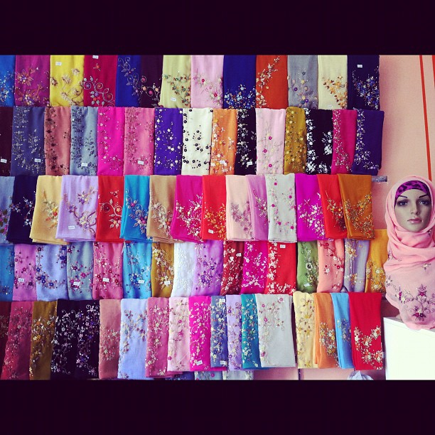 •BAWALOVERS•Tudung Bawal & Scarf ™: We are open today