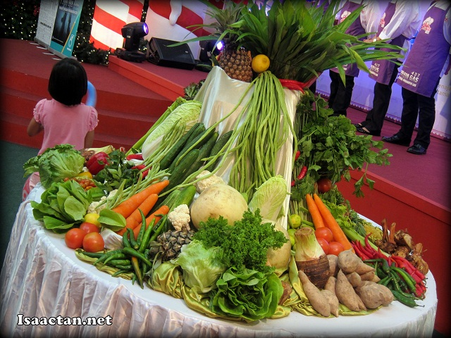 One of the deco made from vegetables at the centre stage