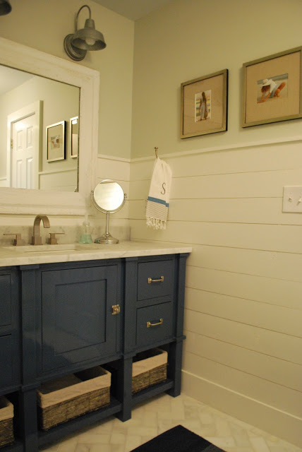 bathroom makeover  - featured at KnickofTime.net