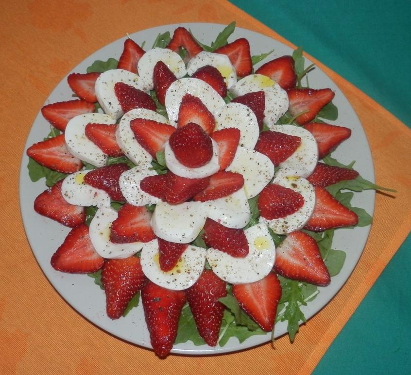 diese solche und andere rezepte erdbeer mozzarella salat. Black Bedroom Furniture Sets. Home Design Ideas