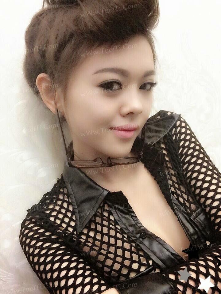 Ảnh gái xinh Yuni Trang trẻ nhưng siêu dâm 9