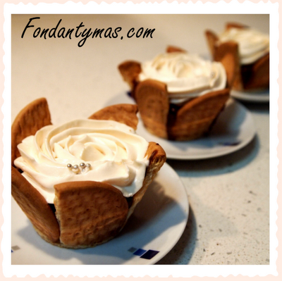 Fondant y más. Cupcake de chocolate y galletas.