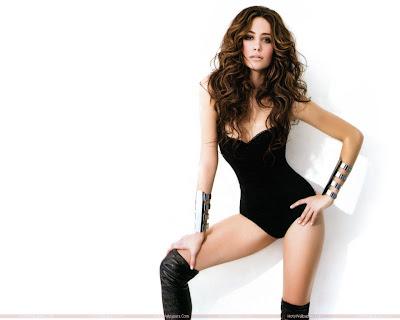 Hollywood Actress Emmy Rossum Hot Photo Shoot