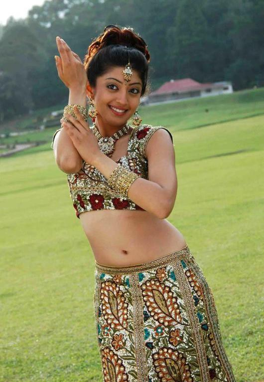 Sweet Cleavage Pranitha/Praneetha Hot And Sexy Navel Show Sexy