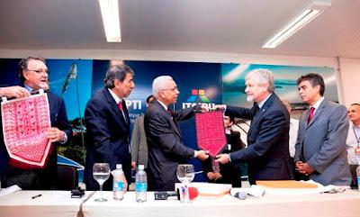 Prefeito de Jerico e Diretor de Itaipu assinam acordo