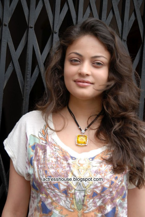 Sneha Ullal hot stills