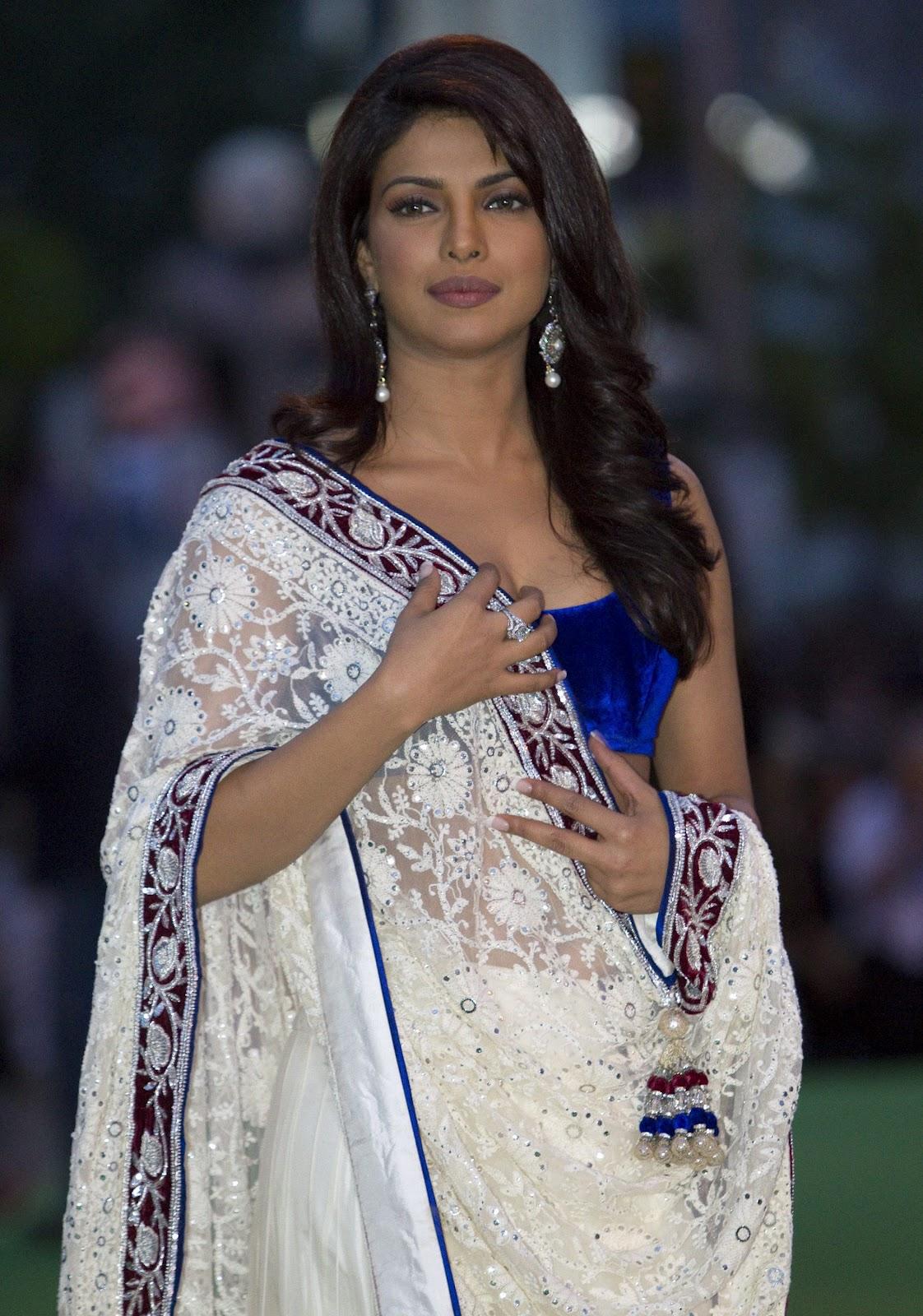 High Quality Bollywood Celebrity - 384.1KB