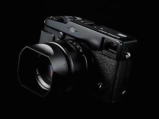 mirrorless camera, Fujifilm X-Pro2, Full HD, Advanced Hybrid Multi Viewfinder, Canon vs Fujifilm,