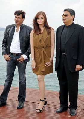 Madhur Bhandarkar, Aishwarya Rai and Ronnie Screwvala on announcing Heroine at Cannes