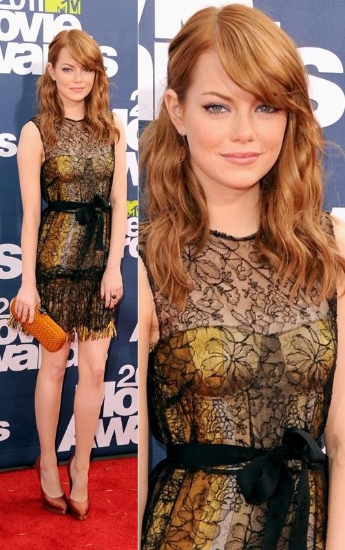 Girl look at that body -Se armó la fiesta- [TODOS] Emma-stone-mtv-movie-awards-2011-bottega-veneta-dress