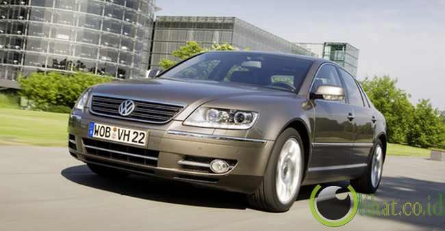 Volkswagen Phaeton W12 450 Motion LWB - Rp13 juta