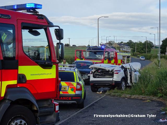 Birkby Lane, Bailiff Bridge, Road, traffic , Collision, Two cars,