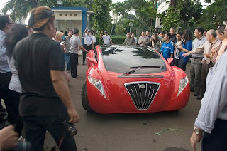 Mobil listrik 1,5 Milliar