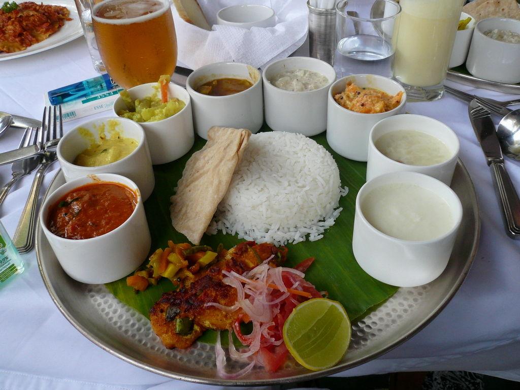 Taste of kerala june 2011 for Lunch food