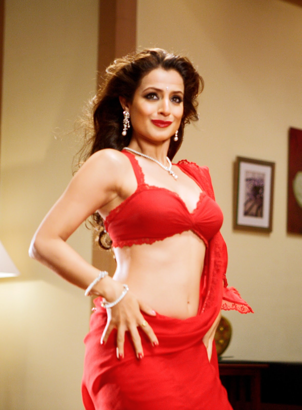 Amisha Patel Nude - t Amisha patel new hot photos