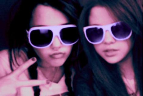 Selena Gomez Y Miley Cyrus Desnudas En Playboy