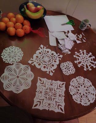 cut paper, paper cuts