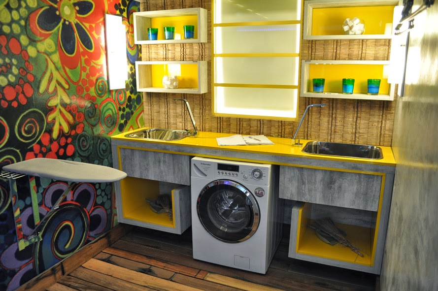 hobo kitchen cabinets html with Areas De Servico on Logo 78835401 moreover Mitsubishi Delica Chamonix 4wd Off Road likewise Areas De Servico besides Ikea Hobo Stove in addition 6 Easy Best Christmas Gifts 2017 For Girls.