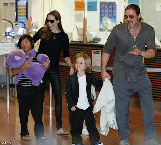 Angelina Jolie, Brad Pitt and children were spotted on an extravagance yacht