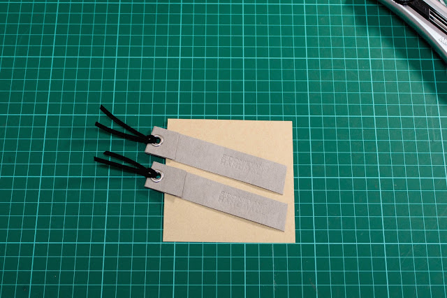 可水洗牛皮紙剪裁剩料變書籤 Left-over washable kraft paper becomes bookmarks