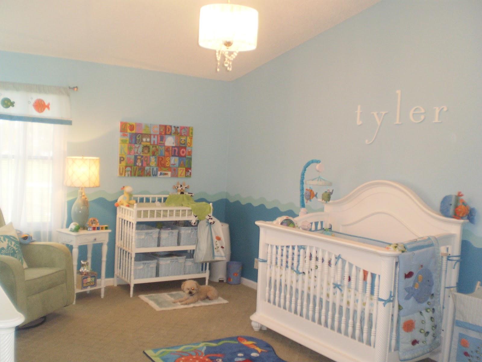 http://2.bp.blogspot.com/-qFYH5uFnPU8/TsqHet43nTI/AAAAAAAAAGA/8KxbU4VlPLQ/s1600/Tyler%2527s+Nursery+031.JPG