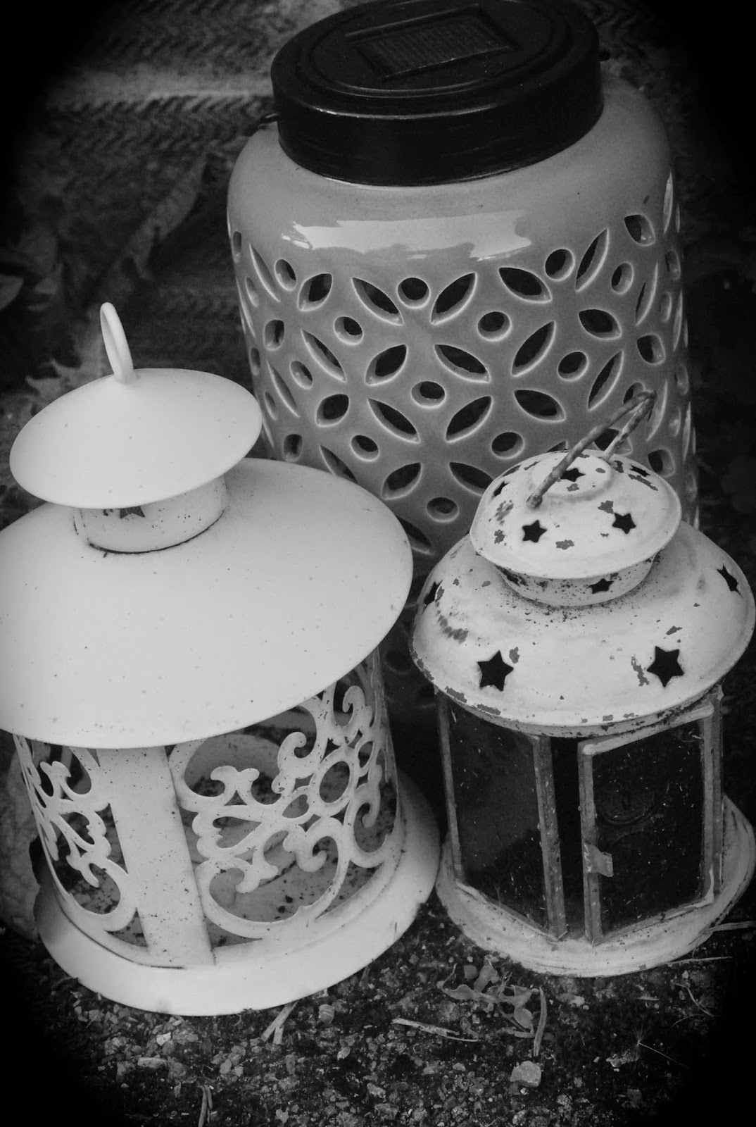 3 lanterns in black and white #shabbychic