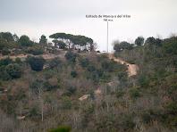 La Collada de Mansa o del Vilar vista des de la pujada al Collet del Castell