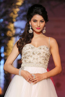 Kajal Agarwal and Urvashi Rautela Spicy Pics at Ramp Walk at Indian Bridal Fashion Week 2013 1