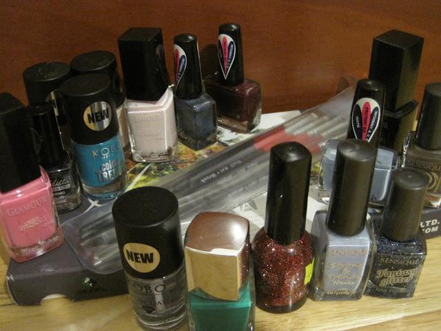 lakier do paznokci glamour, glamour editt cosmetics,lakier świąteczny, thermo lakier, lakier zmieniający kolor, my secret green parrot 160