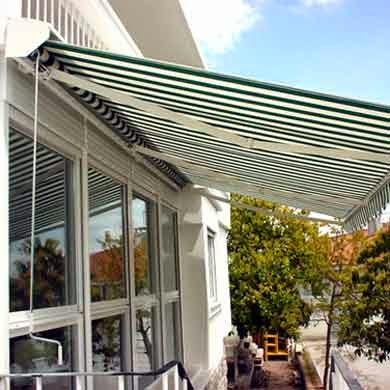 Practicor todo en aluminio toldo for Toldos para patios pequenos