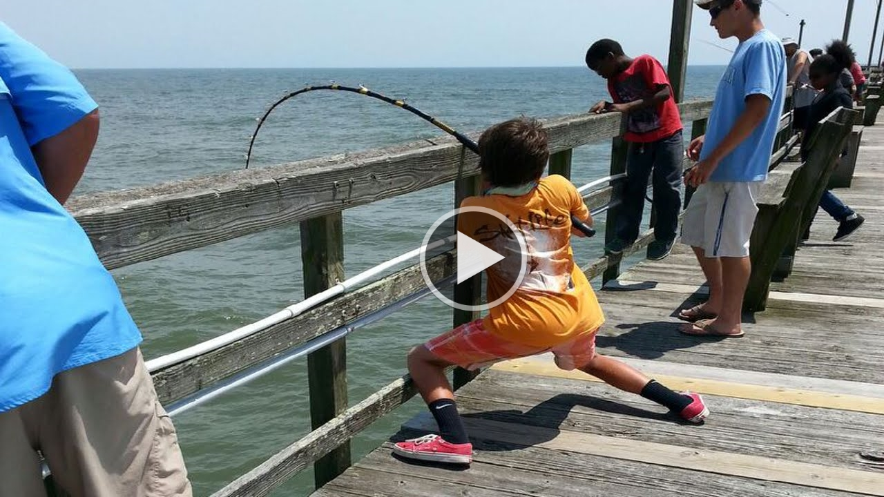How to fish giant stingray fishing from oak island for Best bait for pier fishing