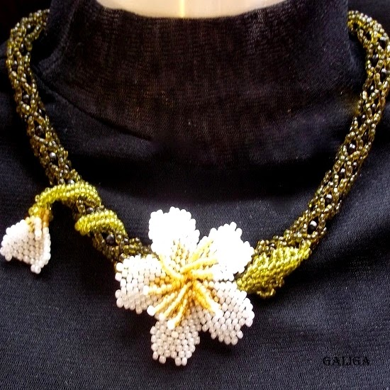 Necklaces Beaded Flower
