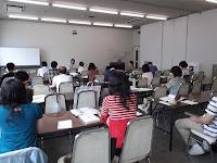 岸田先生講義中の教室全体図