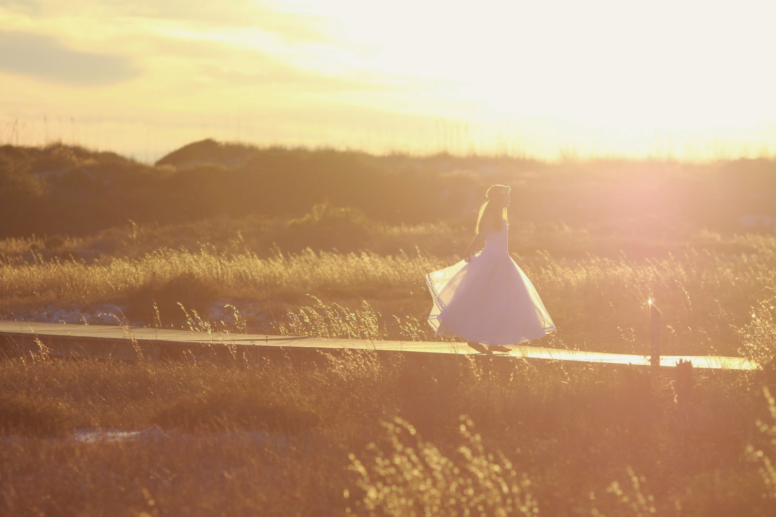 girl-in-white-dress-sun-flare-Ft Pickens_fairytales