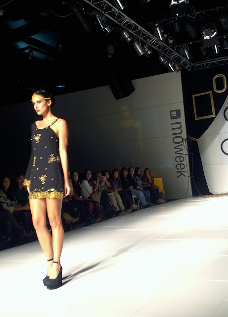 black-dress-one-shoulder-caro-criado