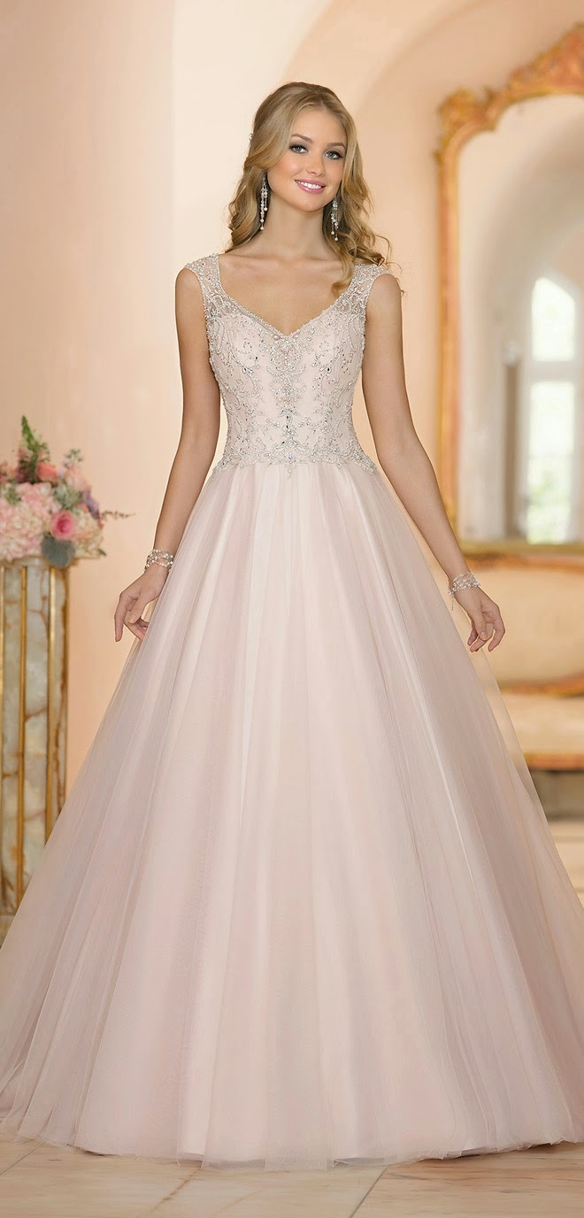 best wedding dresses of 2014 belle the magazine the wedding blog for the sophisticated bride. Black Bedroom Furniture Sets. Home Design Ideas